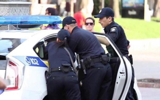 """""""Мусора - не люди"""": поліцейські поставили на коліна ветерана АТО"""