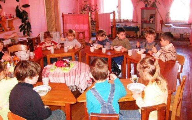 Напхали дітей сурогатом: київські дитсадки накрила хвиля скандалів