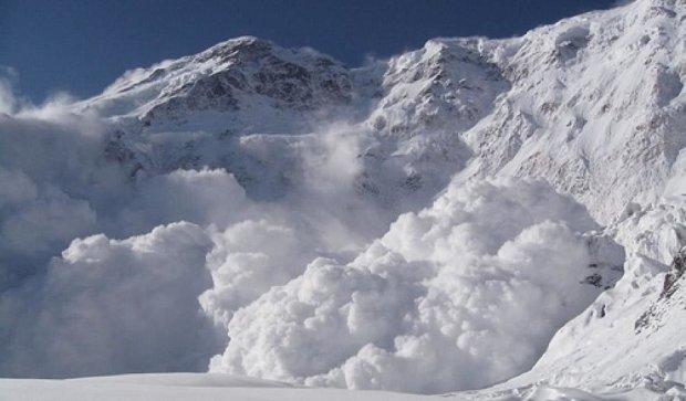 Свята у Карпатах відміняються: підвищена лавинна небезпека
