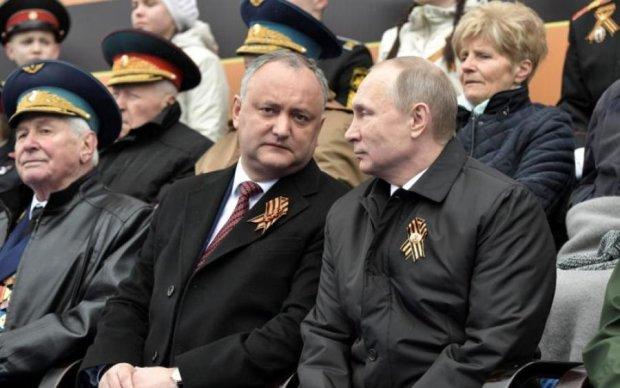 """Молдавські вина замість горілки """"Путінки"""": Додон отримав право напоїти росіян"""