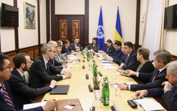 Украина должна вернуть сотни миллиардов, дедлайн поджимает