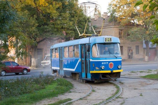 """В Одесі люди каталися у трамваї з трупом: """"Нікому не заважав"""""""