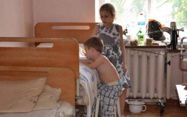 Десятки дітей героїв АТО отруїли невідомо чим