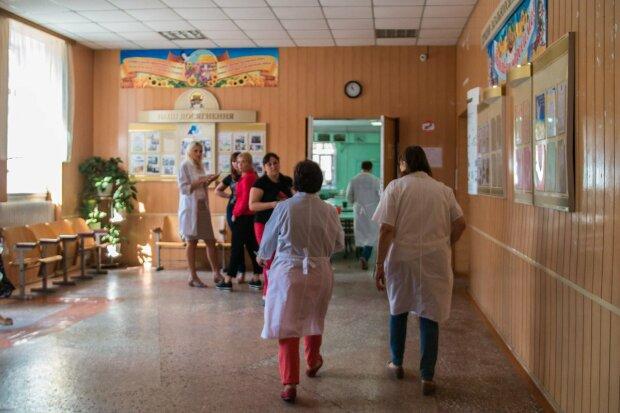 Вінницька трагедія повторилася: в Одесі масово госпіталізують школярів, перші подробиці