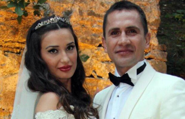 Эмре Ашик с женой, фото: prosportua