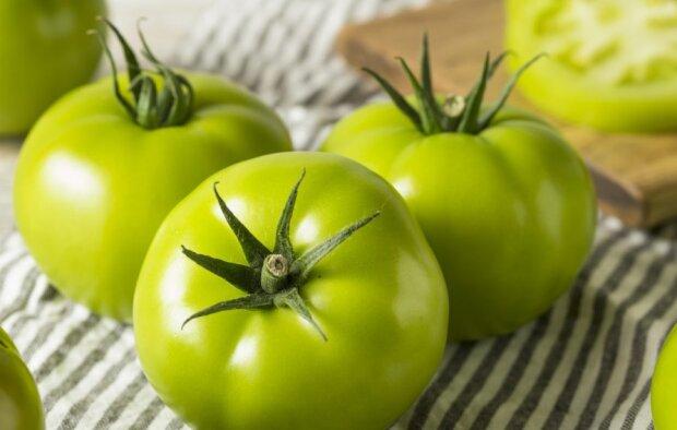 Чтобы добро не пропадало: три вкусных рецепта для зеленых помидоров