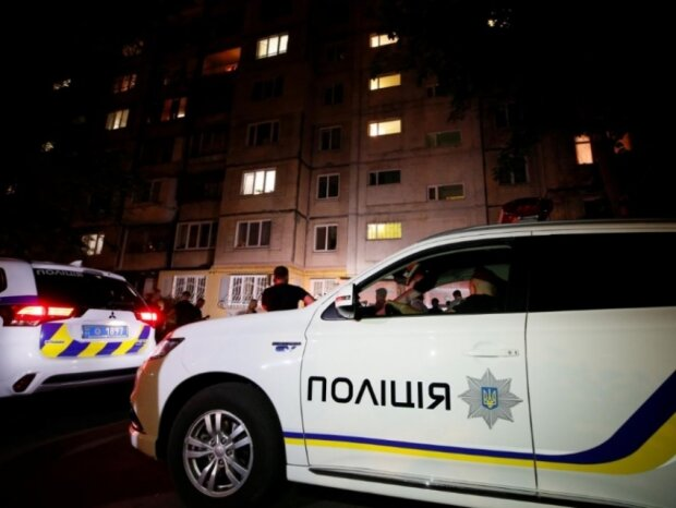 Дитина ночувала під під'їздом: 18-річна горе-мати з Франківська позбулася малюка і пустилася берега