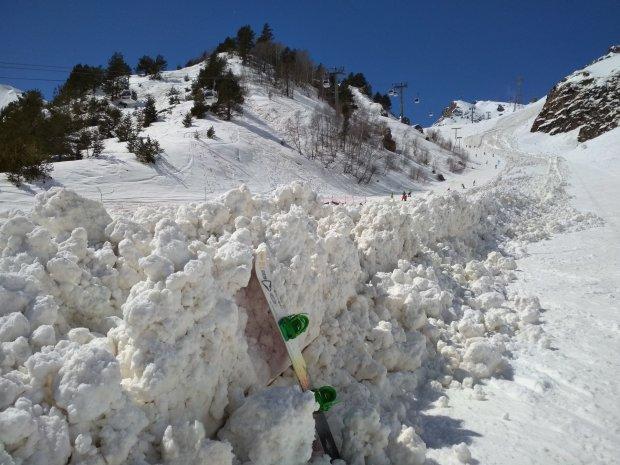 У Швейцарії зійшла снігова лавин
