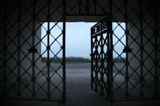ворота замку, фото Pxhere