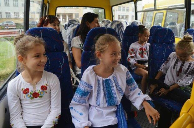 Франківських школярів возитимуть до школи безкоштовно, але є нюанс: у Марцінківа все пояснили