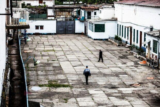 Сколько украинцев до сих пор страдают в российских тюрьмах: Денисова ошеломила цифрами