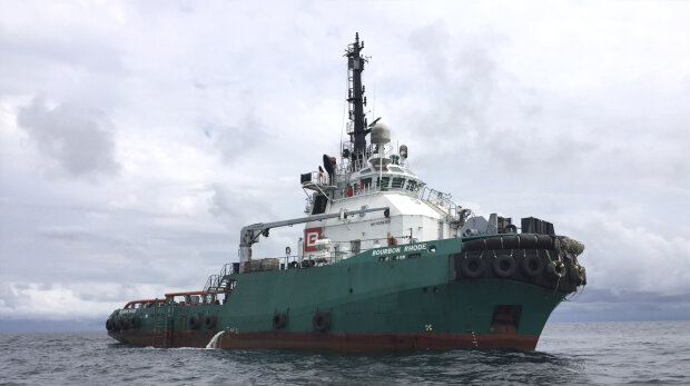 Українці зникли в океані, шторм не лишив шансу: екіпаж судна Bourbon Rhode намагаються врятувати
