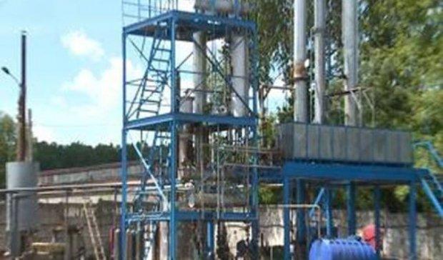 Під Харковом викрили підпільний завод з виготовлення бензину