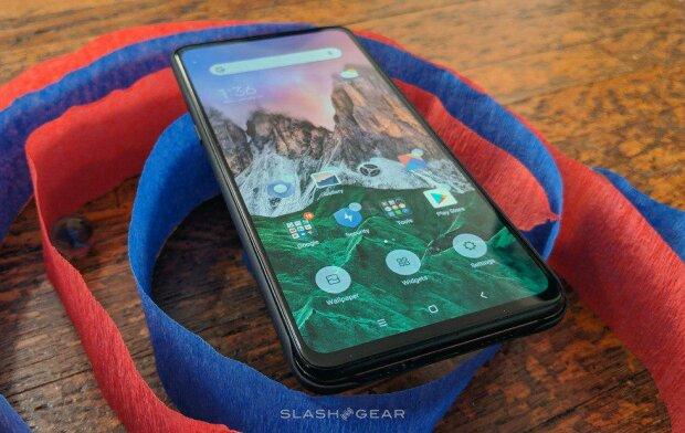 Xiaomi представит первый 5G-смартфон Mi Mix 3: инсайдеры назвали дату