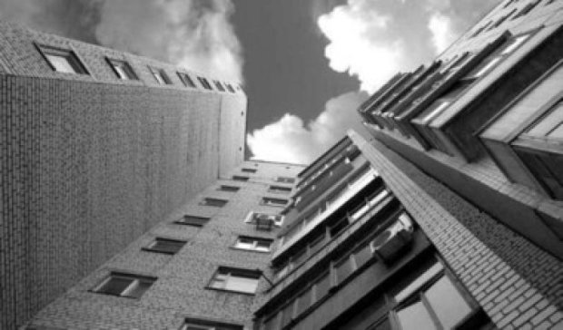 У Києві 19-річний хлопець випав з вікна гуртожитку