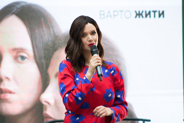 """""""Я, в принципе, не сцикуха"""": Янина Соколова откровенно рассказала о борьбе с раком"""