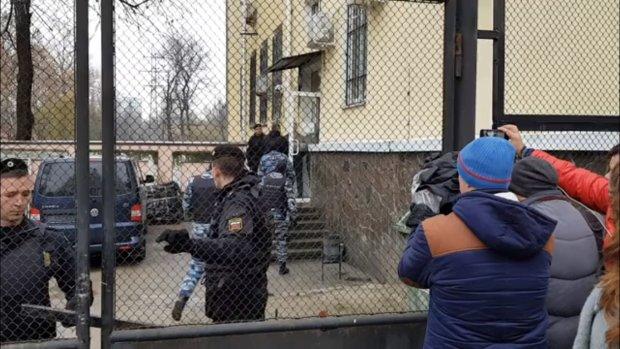 українські моряки в полоні агресора
