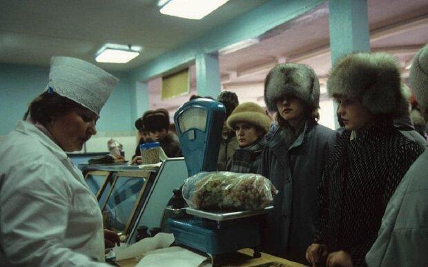 Бедность и толпы алкоголиков - запрещенные фото времен СССР, которые всплыли только сегодня