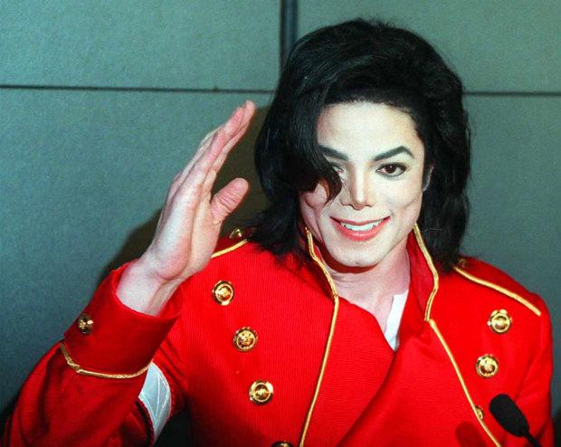 """Зірка """"Сам удома"""" підтвердив моторошні дані про збочення Джексона: спав з ним десяток разів"""