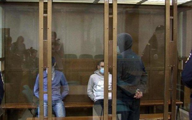 Появились кадры кровавого месива в московском суде