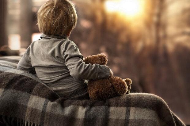 Українські сироти поїдуть в італійські сім'ї: нова угода дасть діткам надію на краще життя