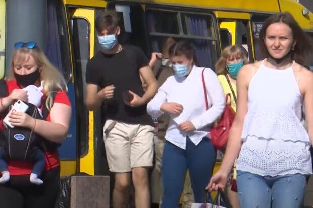 "Тернопіль повстав через червону зону, городяни киплять: ""В горлі стоїть ваш карантин"""