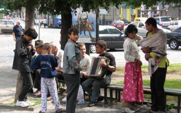 Кривавий наступ у Києві: навіщо цигани знущалися над тяжкохворим