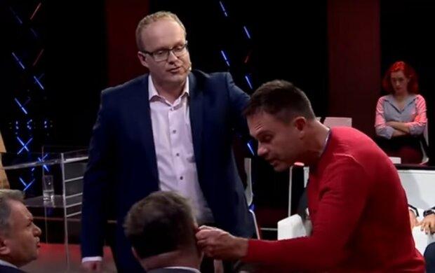"""Ветеран АТО жорстко заткнув рота проросійському журналісту в прямому ефірі: """"На ФСБшних грошах живеш"""""""