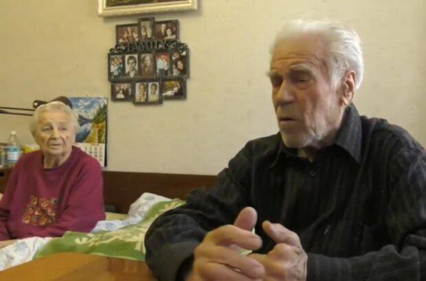 Обмануті пенсіонери,  фото: Поліція Запоріжжя / YouTube