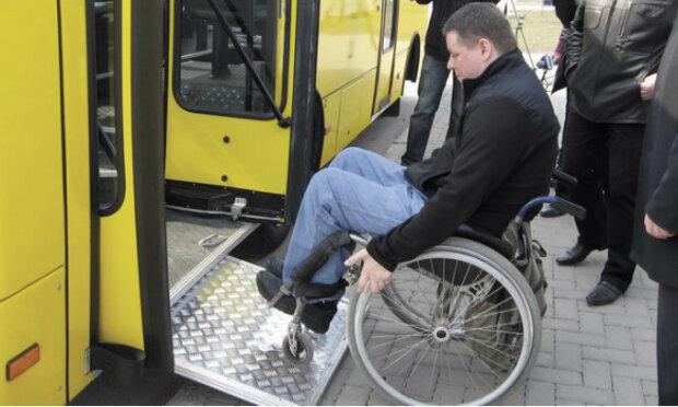 В автобус на візку: у Львові спростять життя людям з інвалідністю