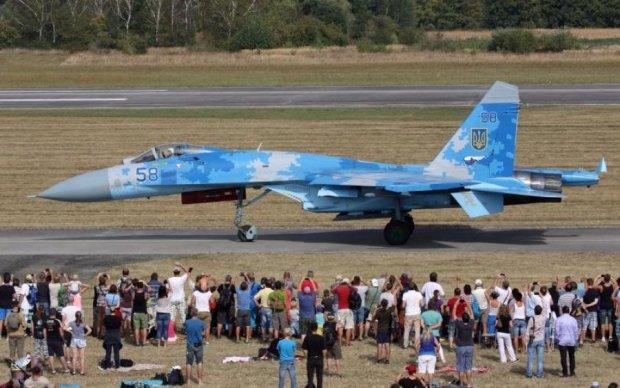 Вищий пілотаж: в мережі показали майстерність українських льотчиків