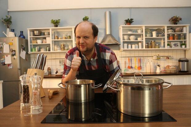 """Виктор Бронюк в кулинарном шоу """"Первое, второе и компот"""", фото:СТБ"""