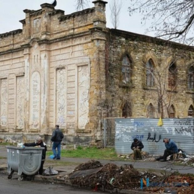 Старая еврейская синагого в Николаеве стала домом для бомжей