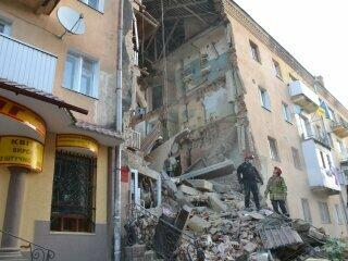 У зруйнованому будинку в Дрогобичі новий обвал: евакуйовано сотню людей