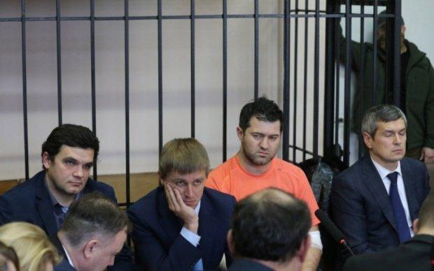 Холодницкий намекнул Насирову, что его ждет