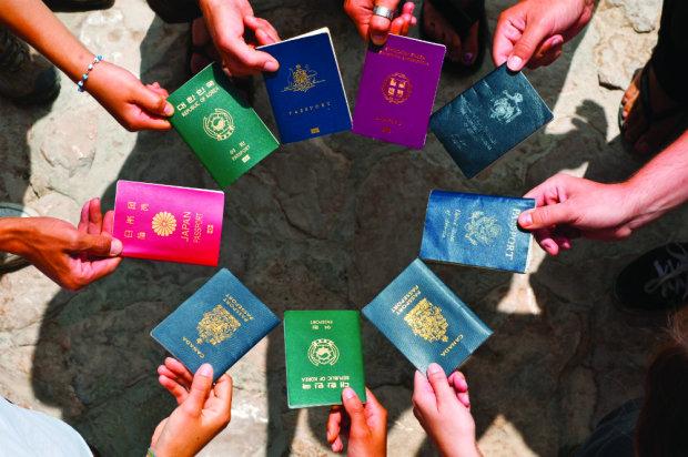 Українці зможуть отримати подвійне громадянство: процес уже запущено