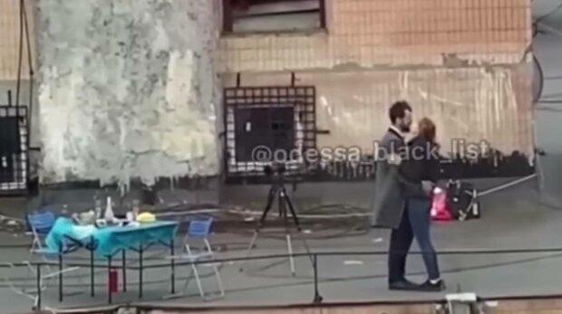 Романтика на крыше, фото: скриншот из видео