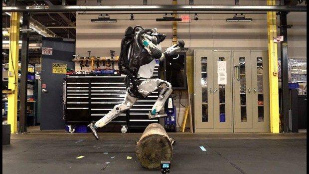 BostonDynamics створили робота-паркурщика: неймовірні кадри