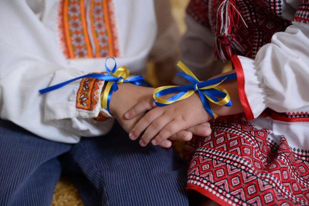 Рідна мова в Україні: у Варшаві є, а в Одесі ще ні