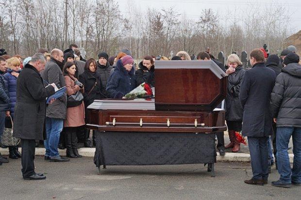 Хоронить Чечетова не пришел ни один из бывших чиновников