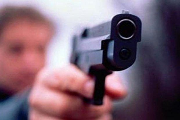 Киевлянину выстрелили в ногу с «травмата»