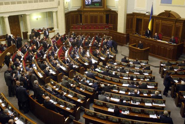 Одесситы рвутся в Раду: свита Труханова - против штангиста Зеленского, список претендентов на мандат