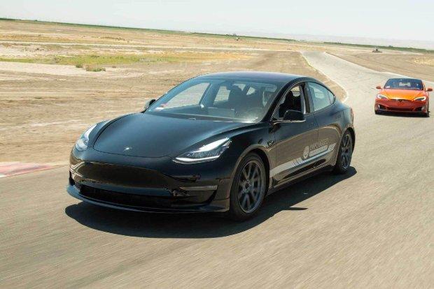 Маск пообещал Европе Tesla 3: цены и скидки