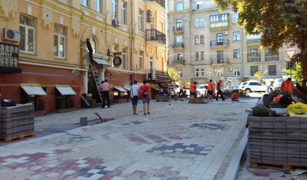 МАФы готовы занять обновленую центральную улицу в Киеве