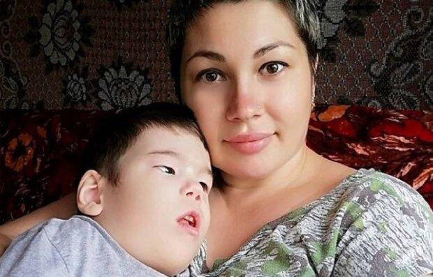Оксана Давлетова з дітьми, фото: Instagram oks1805