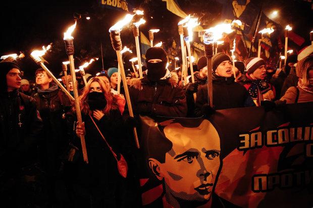 Бандеру почтят факельным шествием в Киеве: подробности