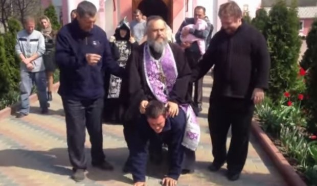 У Придністров'ї священик покатався на одержимому