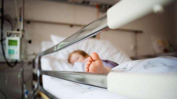 Миючий засіб під виглядом соку: у відомому ресторані отруїли 2-річну дитину, лікарі роблять все можливе