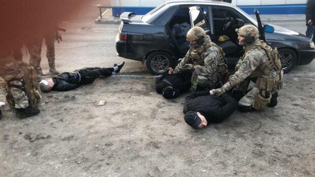 Затримання банди у Дніпрі, фото: Дніпроград
