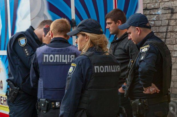 На Одещині неадекват з пушкою влаштував сафарі на перехожих: дострілявся до реанімації